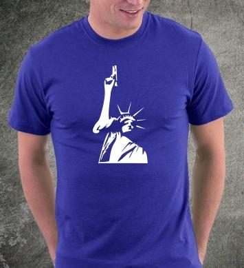 Статуя свободы с пистолетом